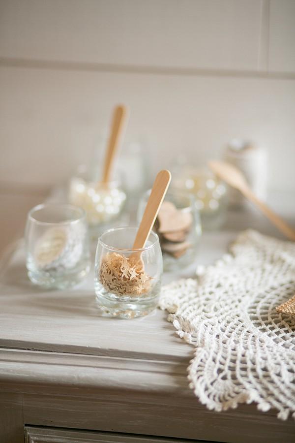 Pretty wedding table details
