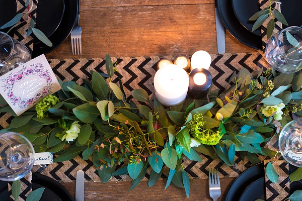 Simple and modern wedding table decoration
