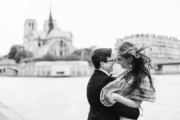 Wedding pictures along the Seine