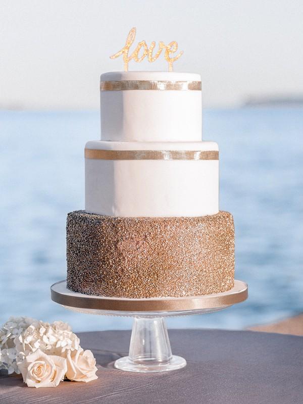 Luxury 3 tier wedding cake