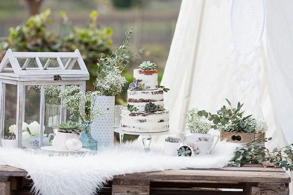 White wedding styled shoot
