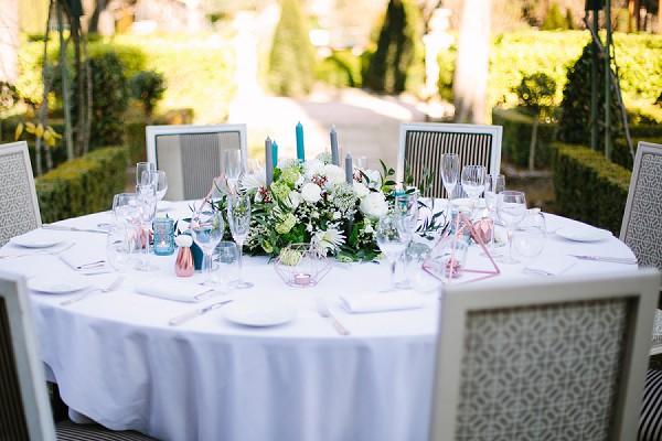 Modern copper hint wedding table