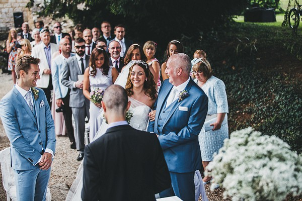 Relaxed family wedding