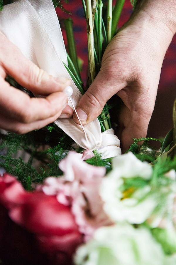 How to make your own wedding flowers