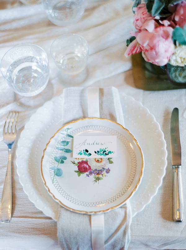 Vintage china wedding setting
