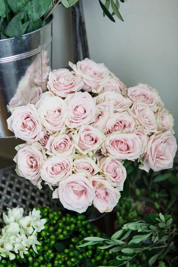 Vintage wedding roses