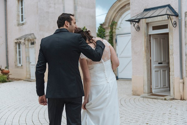 relaxed chateau wedding