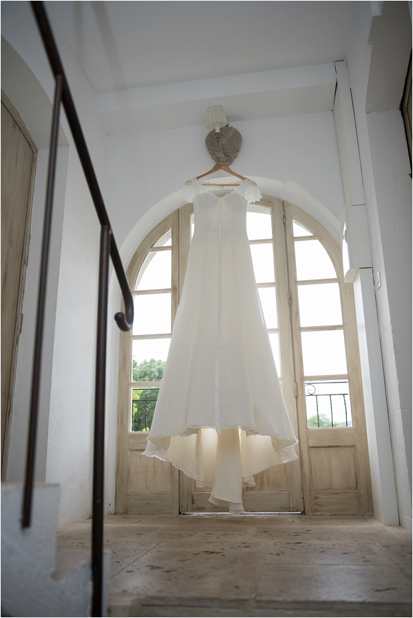 lace cut out back wedding dress