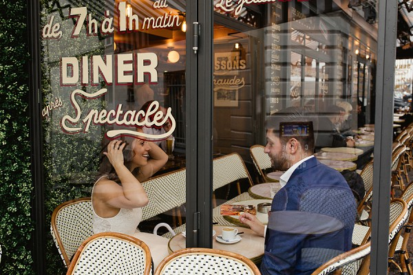 Paris cafe engagement