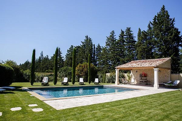 Provence pool weddin