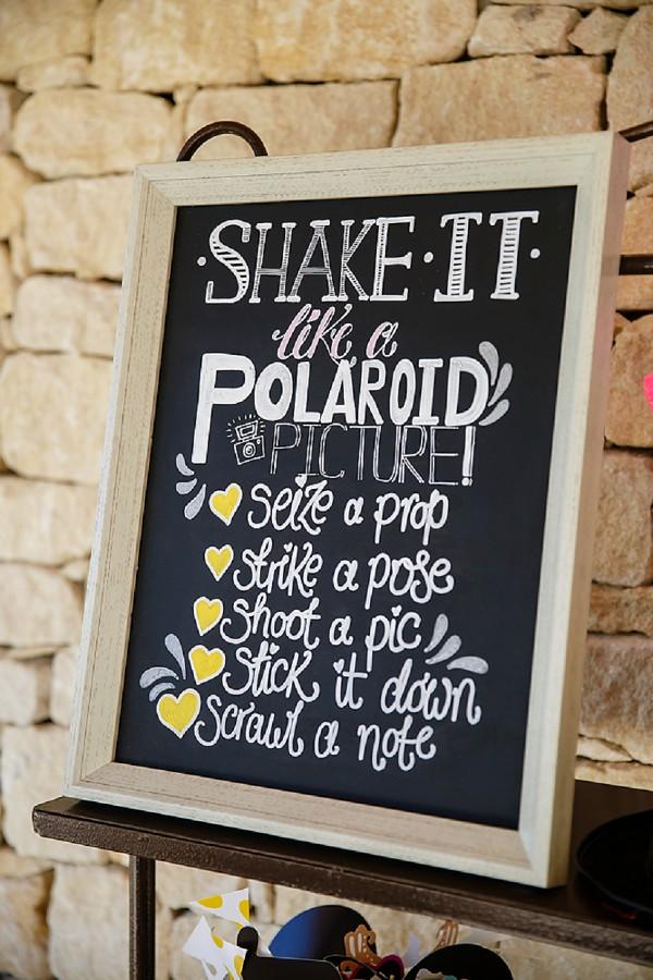 Wedding photobooth instructions