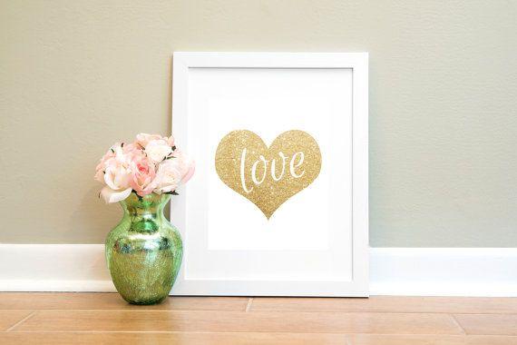gold glitter heart print