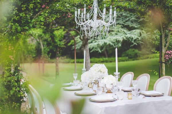 Chandelier wedding table