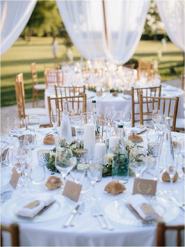luxury clean and simple wedding table ideas | Image by Ian Holmes Photography