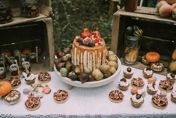 naked caramel iced cake