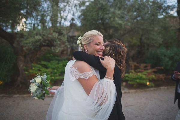 veil sleeve wedding dress