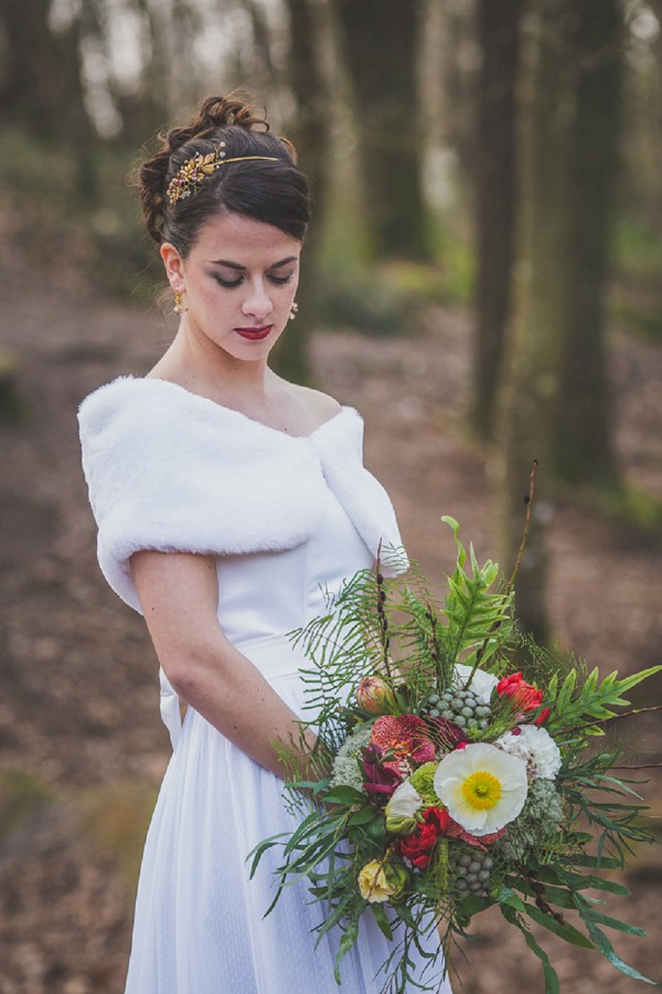 winter wedding dress idea