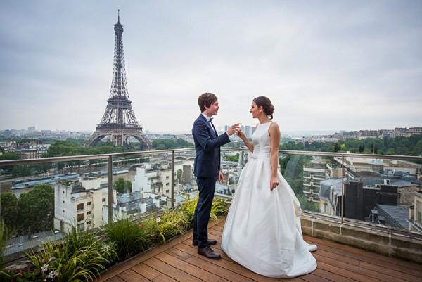 Eiffel Tower Wedding Photo