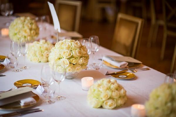 White Roses Elegant Table Decor