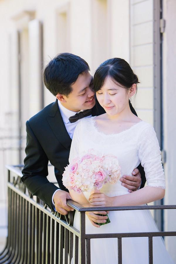 sweet wedding kisses