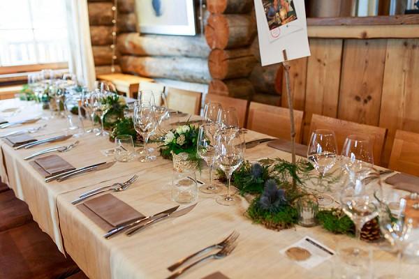 Cosy winter wedding reception