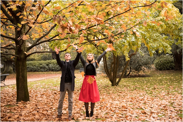 autumn engagement in Paris | Image by Shantha Delaunay