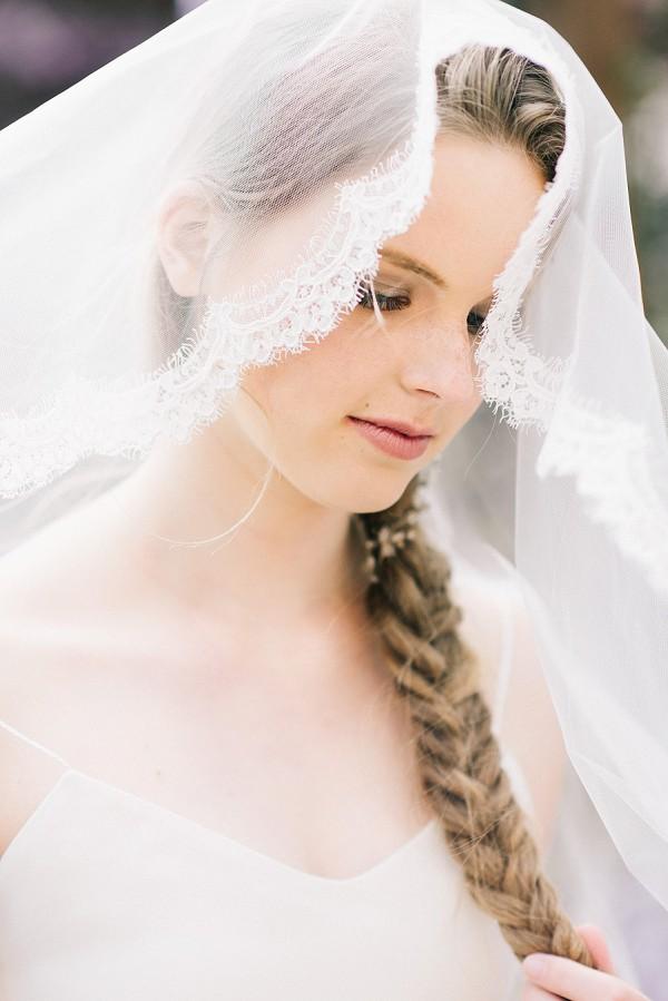 edged wedding veil