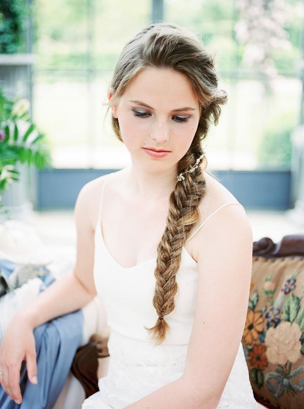 simple elegant bridal look