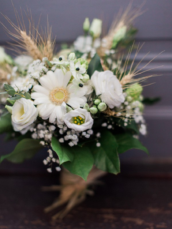 wedding bouquet hessian
