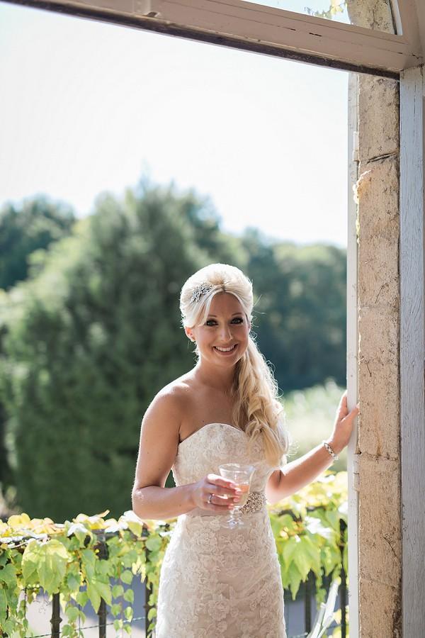 Elegant wedding look