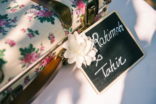 Vintage wedding touches