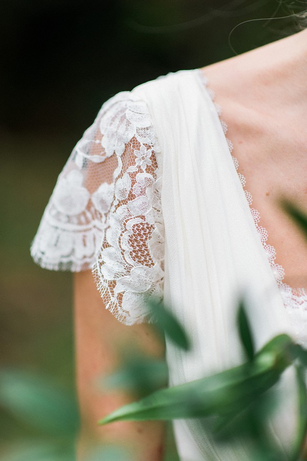 lace capped sleeve wedding dress