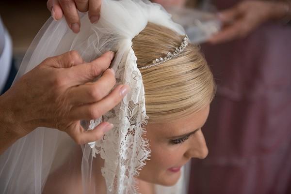 lace edge veil