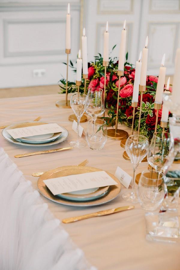 Gold wedding touches