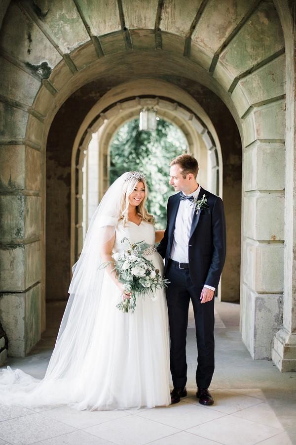 Green and white wedding ideas