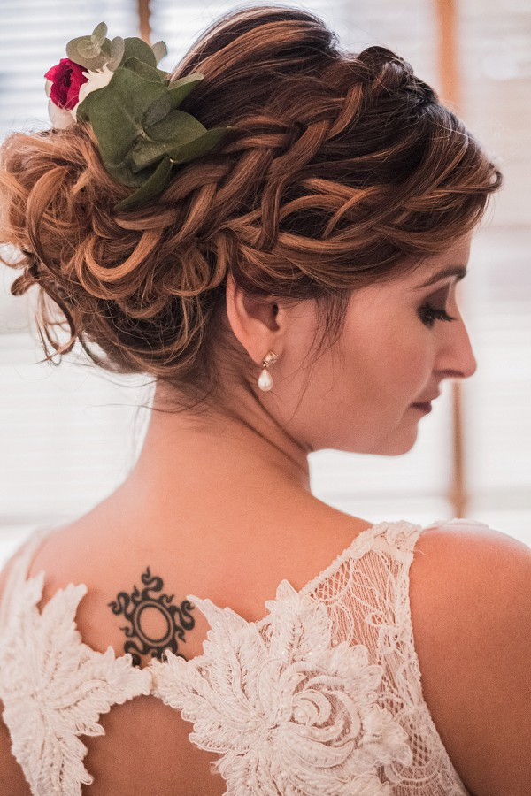 pretty wedding updo