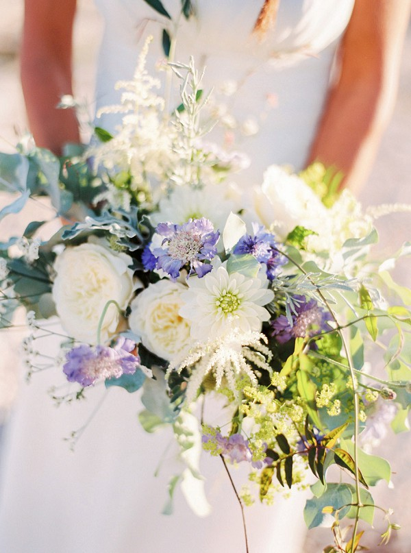 relaxed bridal bouquet