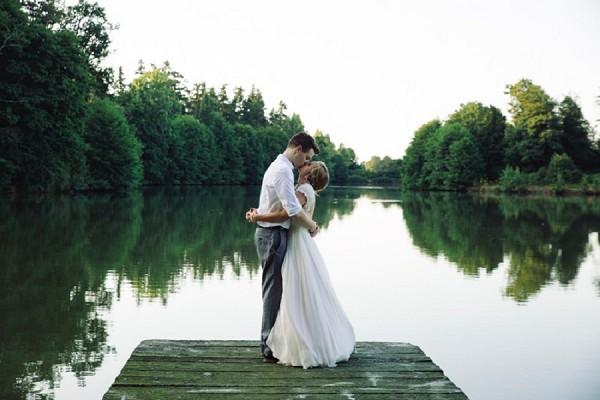 river side wedding photos