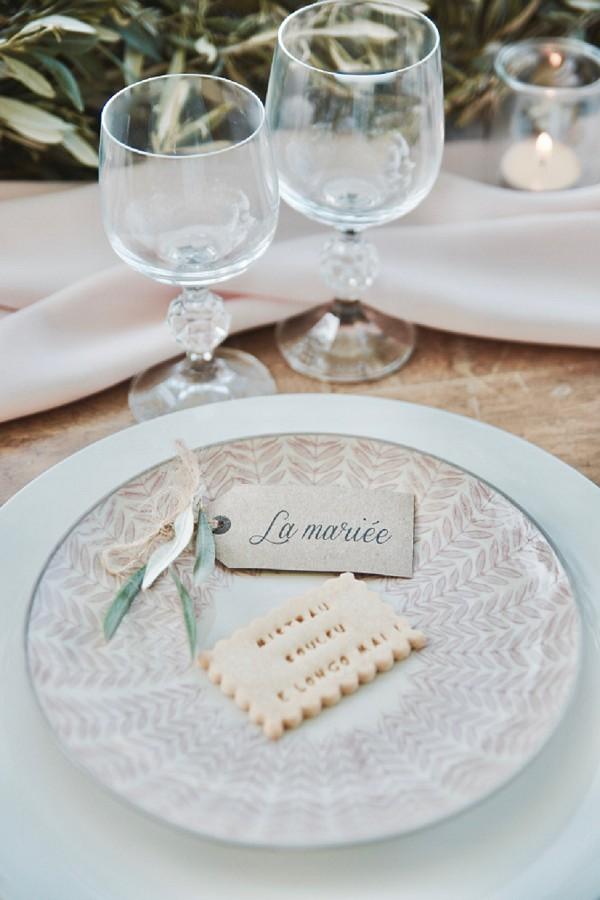 biscuit wedding favour