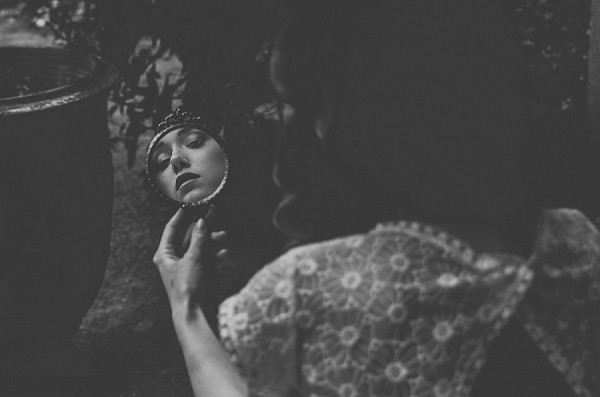 bridal portrait mirror