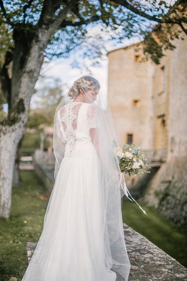 sheer wedding veil photo