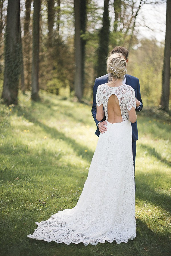 backless wedding gown
