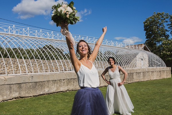 bridal toss photo