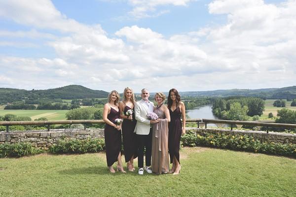 countryside wedding group photos