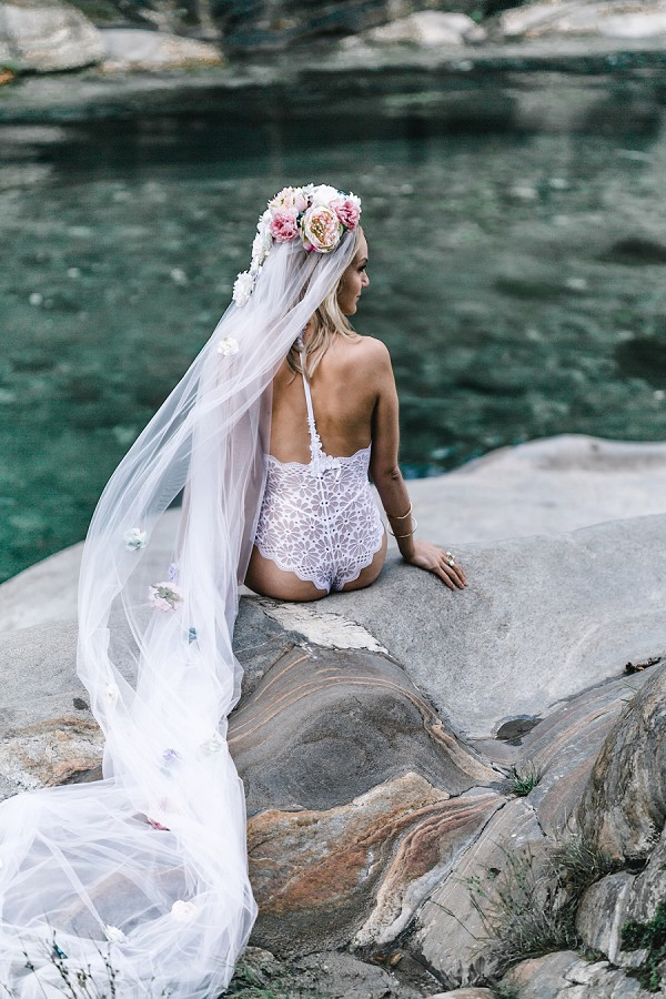 romantic bridal shoot