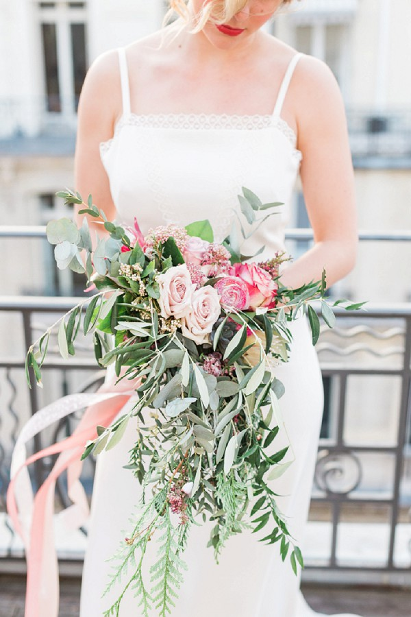 relaxed wedding bouquet