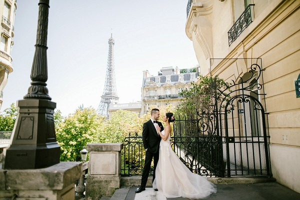 secret wedding photo locations Paris