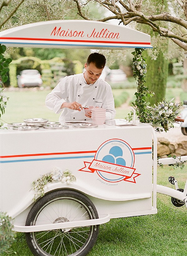 wedding day ice cream cart