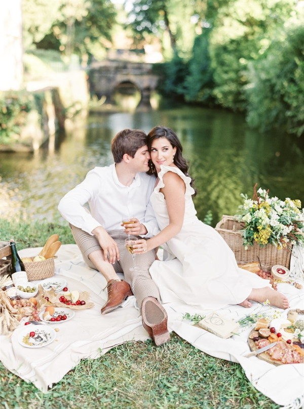 Couple has engagement picnic before Normandy wedding
