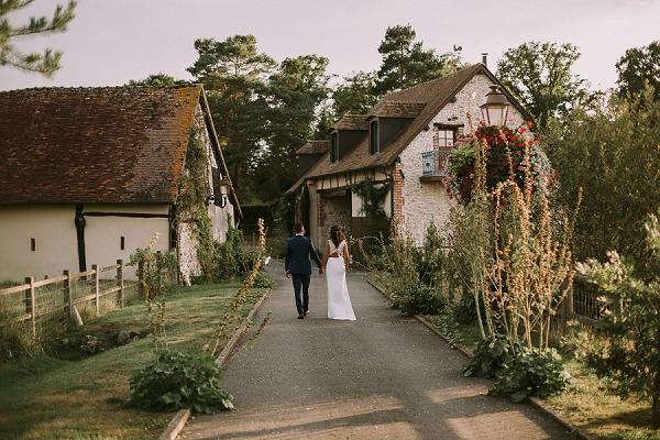 gorgeous countryside wedding